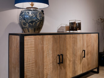 groot houten dressoir