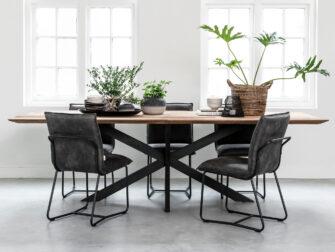 grijze stoelen