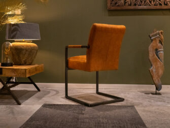 cognac stoel