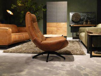 Cognac fauteuil met hoge rug