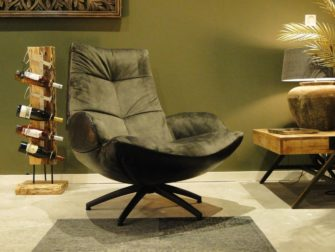 donkere fauteuil