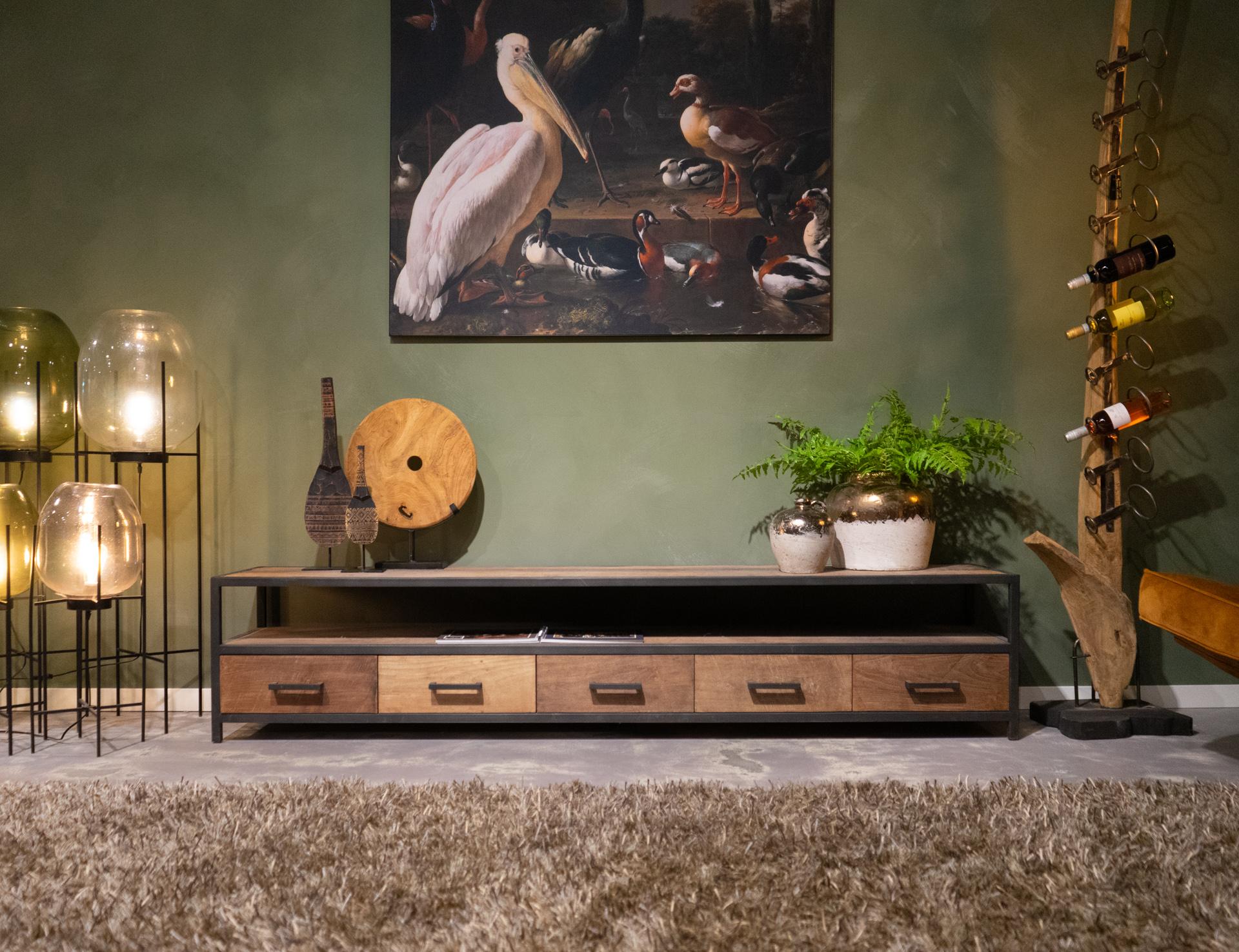 Groot industrieel tv meubel