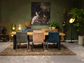 tafel met grof blad