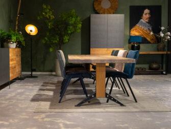maatwerk tafel met stoelen