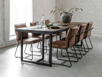tafel out hout