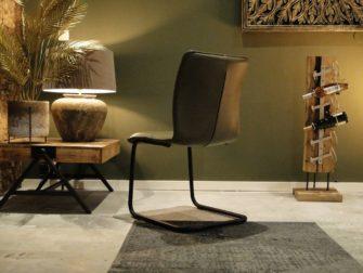 olijfgroene stoel