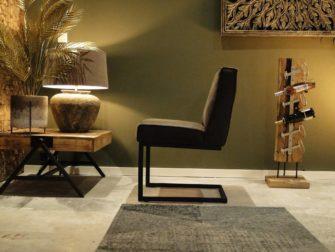 bruine sledepoot stoel