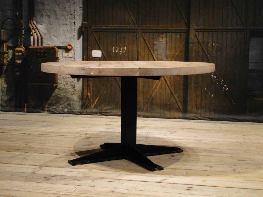 Ronde tafel met metalen poot