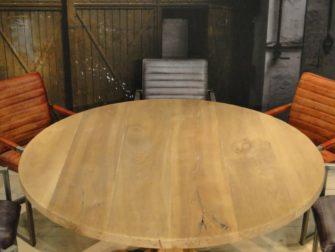 ronde massieve kloostertafel